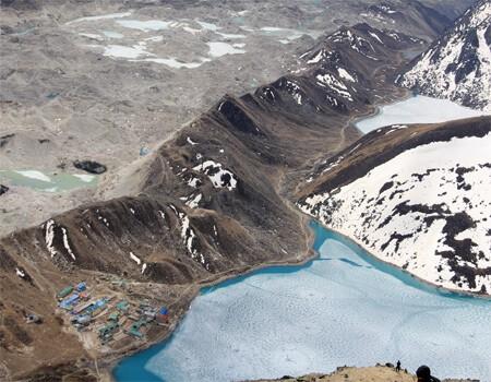 Everest gokyo lake trek difficulty