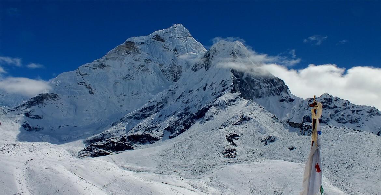 Everest High passes lodge trek